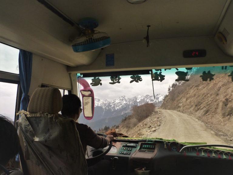 Estrada entre Shangri-La e Litang na China / Tibete