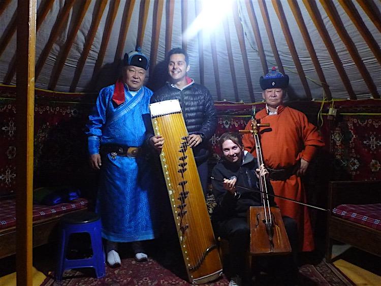 Throat singers Mongolia