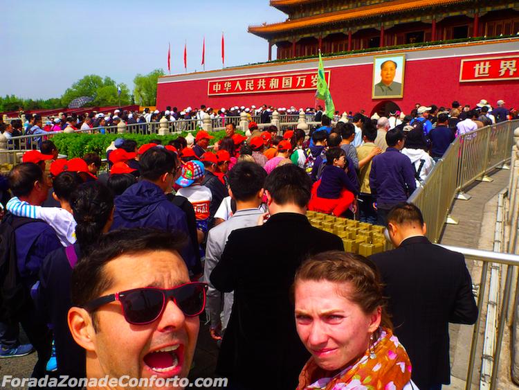 Turistas na Praça da Paz Celestial