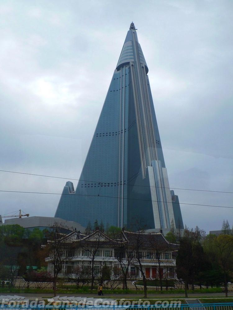 O abandonado Ryugyong hotel em Pyongyang na Coreia do Norte