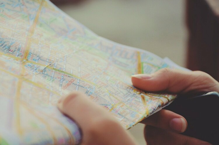 9 Top Easy Thrifty Travel Tips to Save & Travel Better